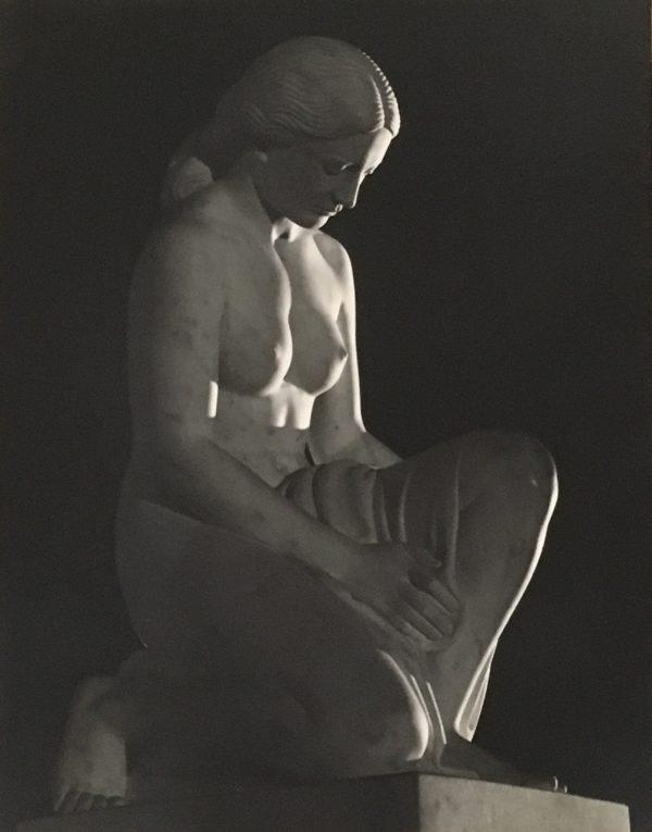 Dale B Pickard [1916-1977] photographer : Nude female statue, 1943.